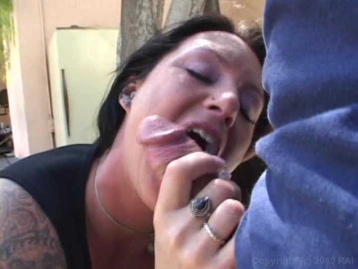 Tattooed Babe Gives Blowjob