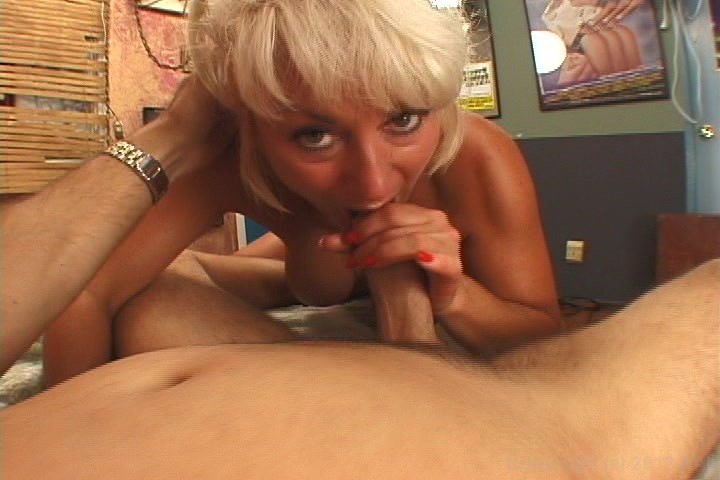 Vibrating anal strap on