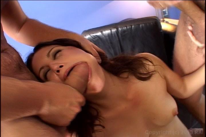 She sucked double penetration
