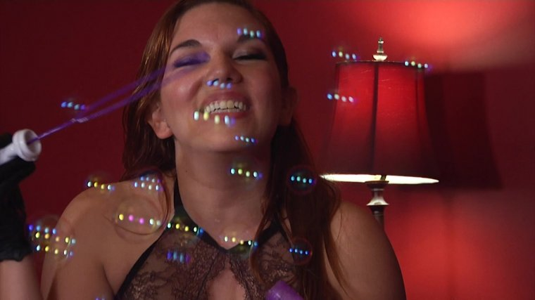 Members Only Preview - Anything's A Dildo If You're Brave Enough! 4
