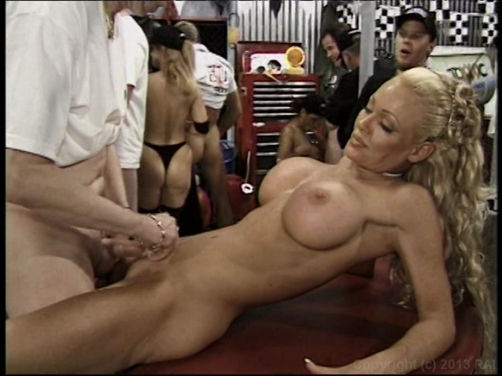 World smallest gang bang-3728