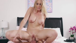 Streaming porn video still #9 from Blondage