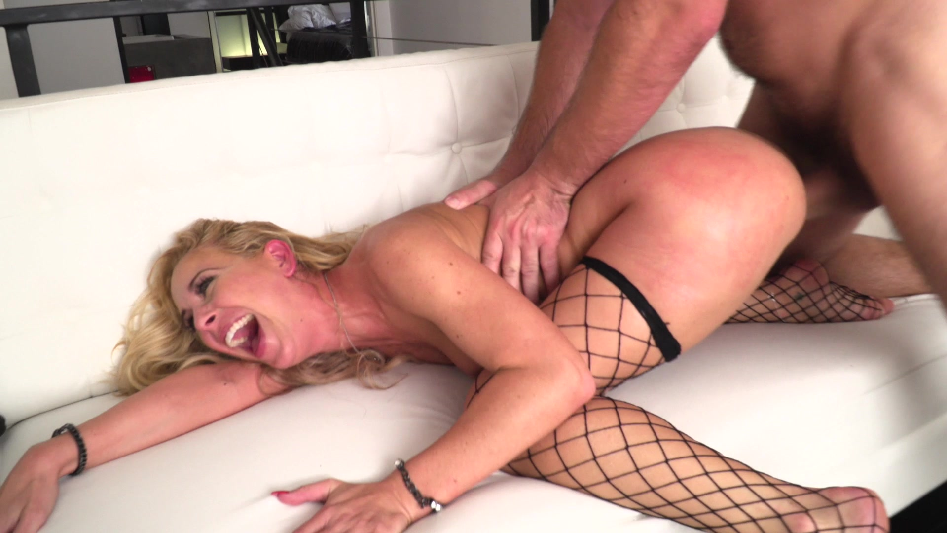 Hot Blonde Lily Larimar Seduces Bf For A Sensual Fantasy Fuck
