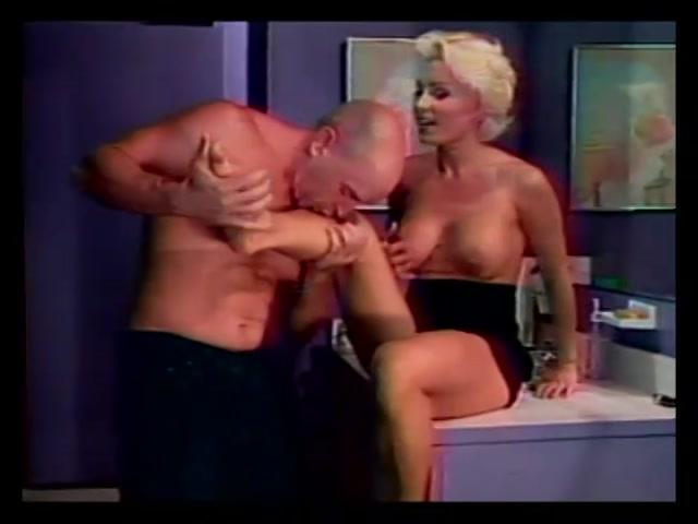 Streaming porn video still #15 from Leg World