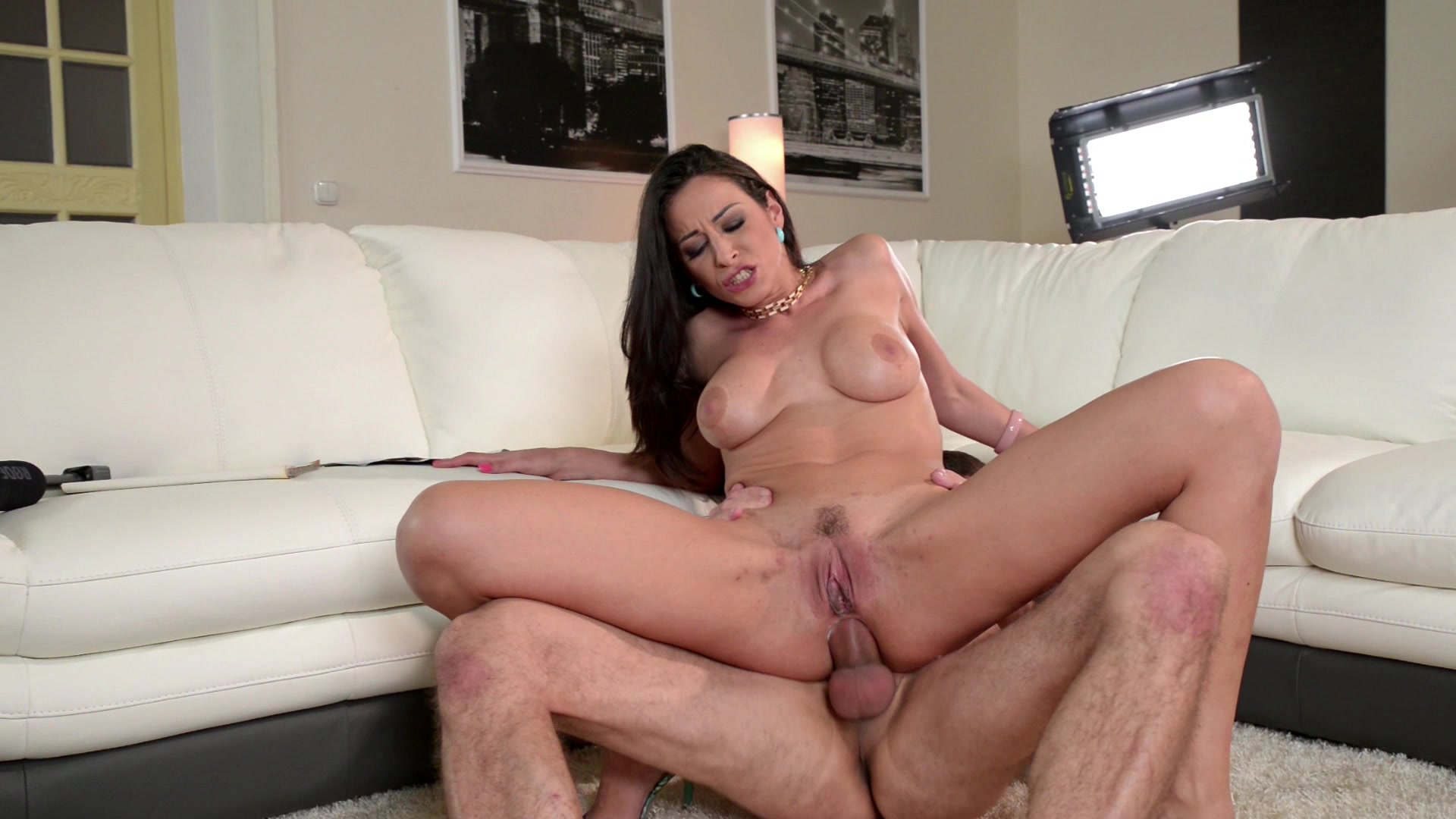 nudeaunty-fuck-assisted-sex-video-pussy-chicks-fisting