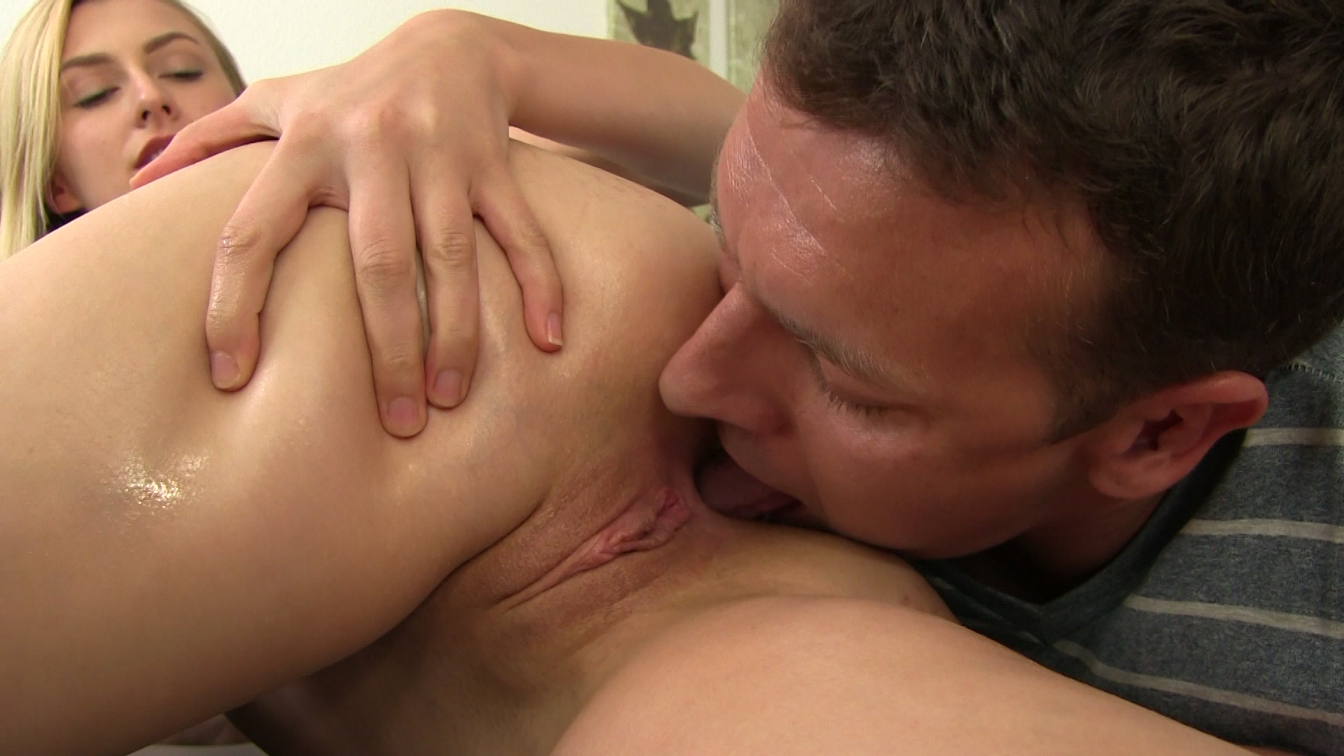 Amazing Pussy Licking Porn Clips With Some Pretty Teens That Need Freaky Sex