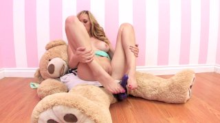 Streaming porn video still #6 from Hot Box Lovers