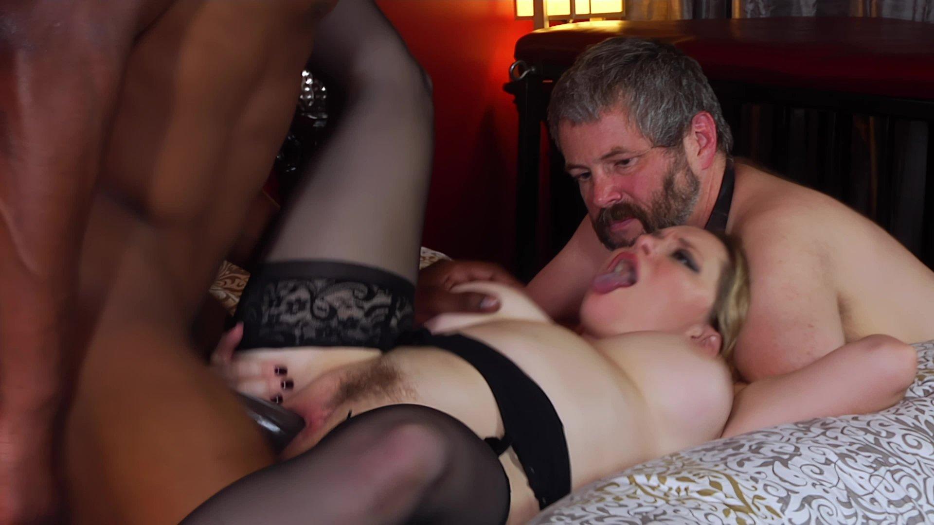 Порно фильмы зрелая жена и муж куколд