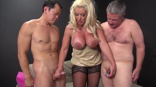 Screenshot #16 from Kinky Cuckold 2