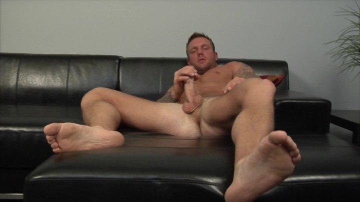 Streaming porn video still #3 from Bo Dean