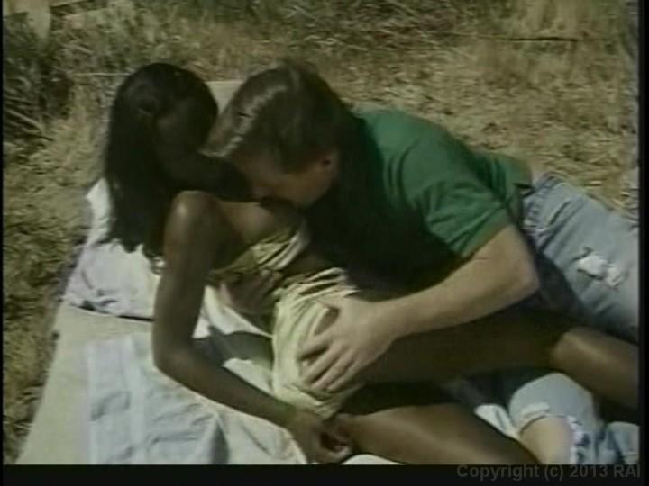 Ebony kinky σεξ καυτό μαύρο σε λευκό πορνό