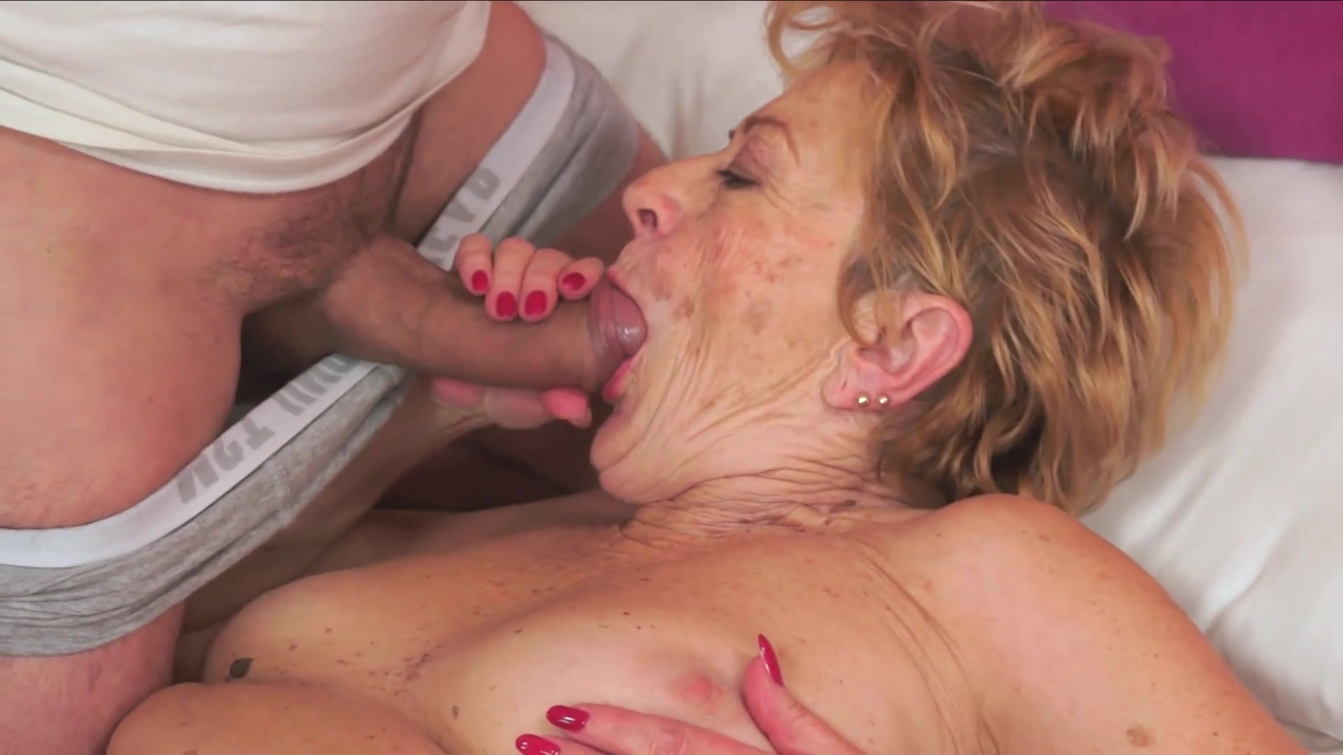 Lauren mayhew piss porn
