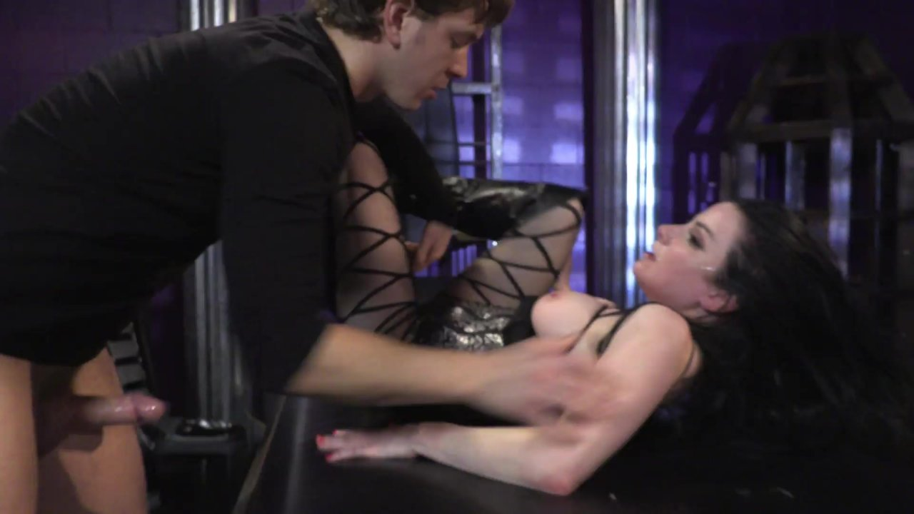 Woman getting choke fucked porn