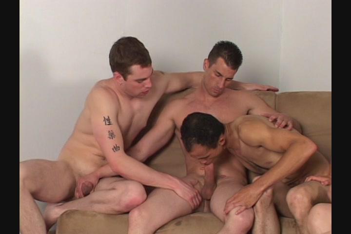 Bareback bi orgie