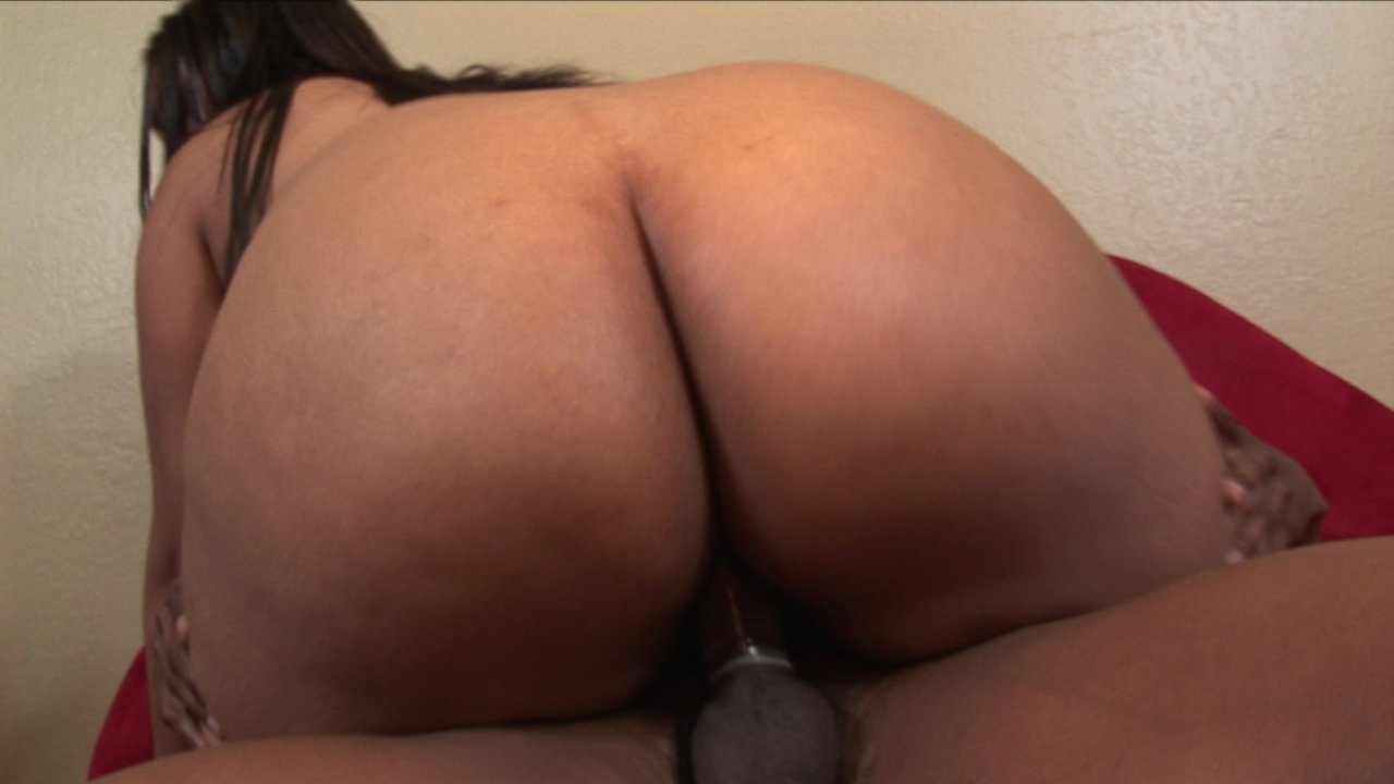 Watch beautiful ebony's ass toyed and eaten out