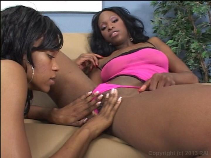 Black lesbian playing pussy