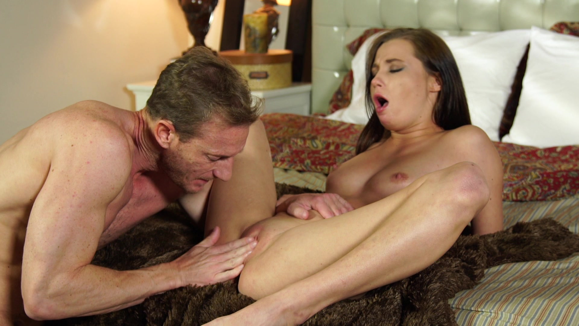 Download Photo Nicole Sweet Fucked By An Old Guy
