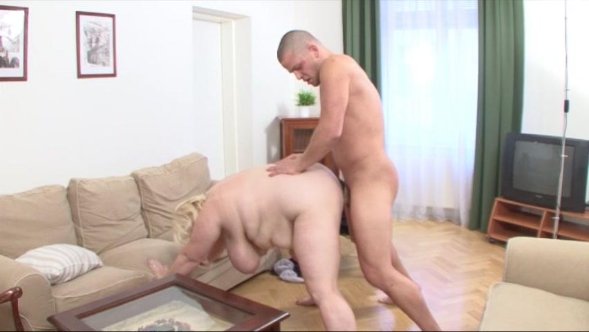 Sexy Geil Pantyhose Blowjob