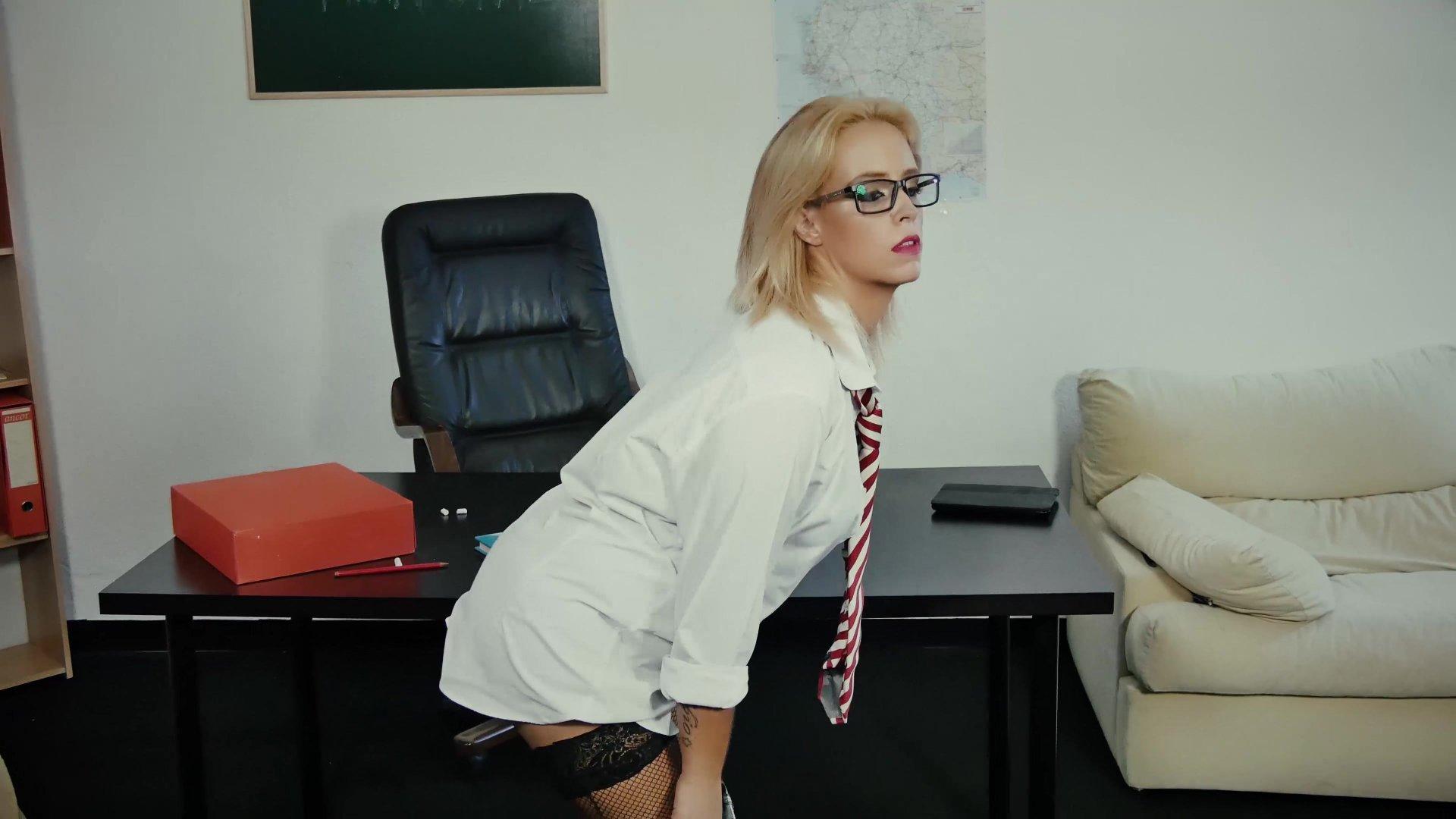 Трахнул офигенную училку, Секс с училкой - учись сексу в Порно с Училкой онлайн! 8 фотография