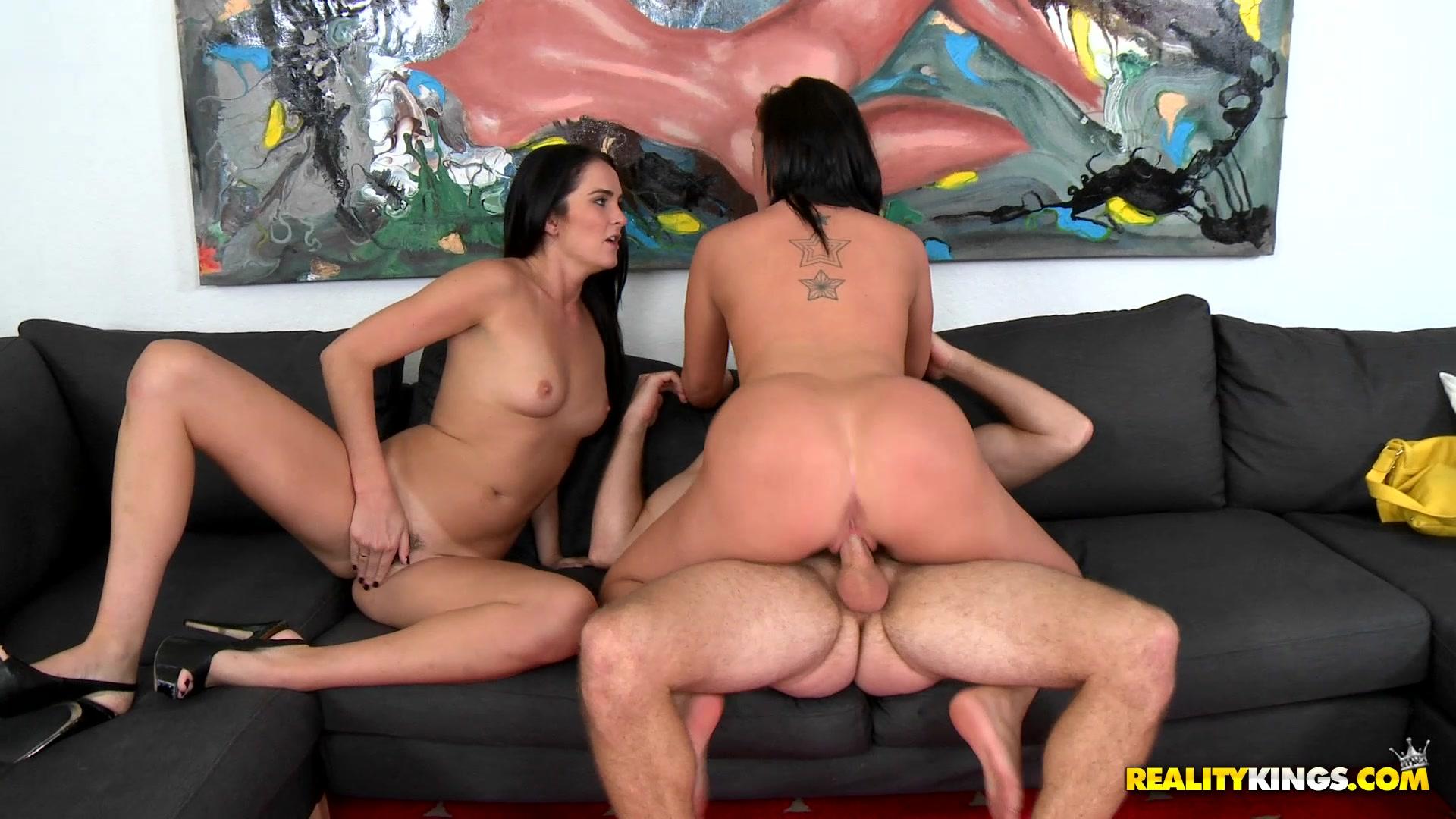 Sex latina milf oral