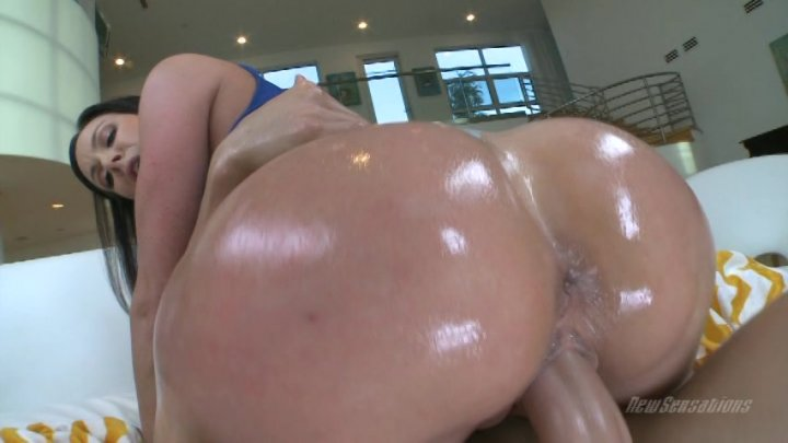 Streaming porn video still #1 from Amazing Tits