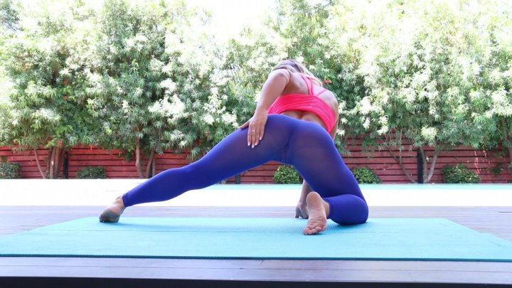 Streaming porn video still #2 from Yoga Pants