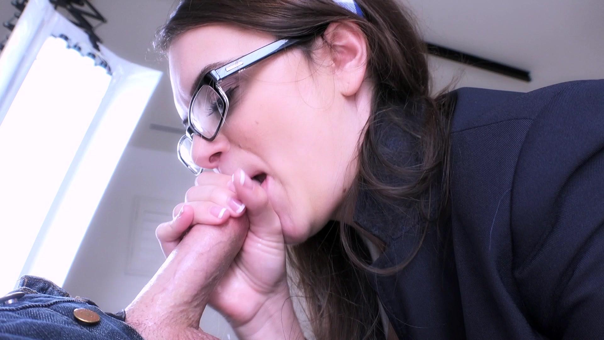 glasses-blowjob-vids