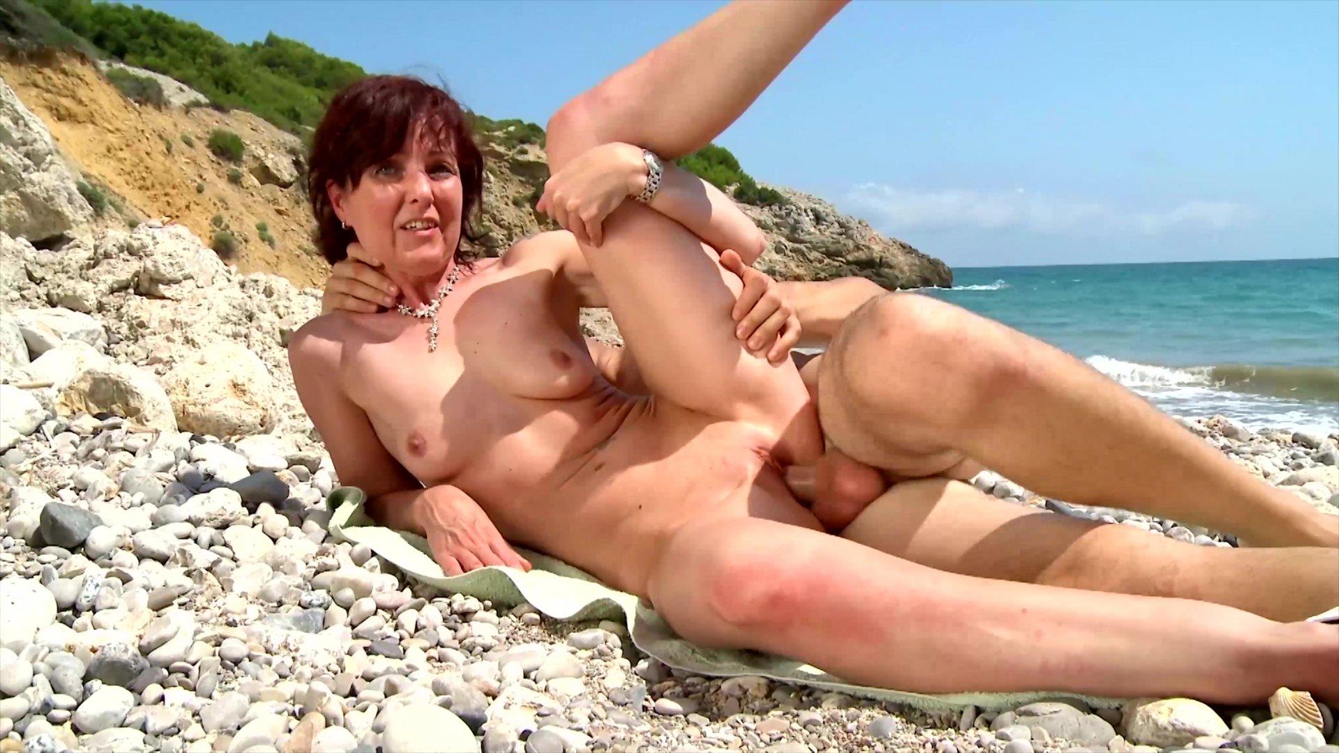 Horny Brunette Got Fucked On The Beach
