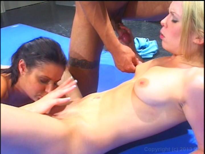 Co ed locker room sex fights 2