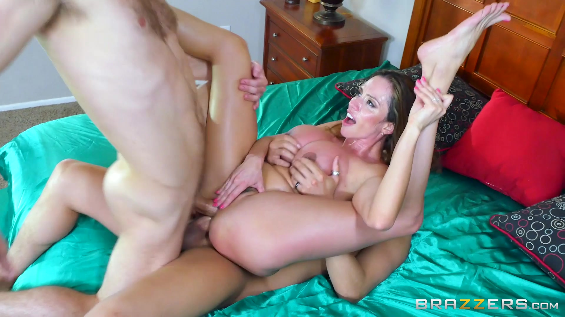 Filthy latina mom with big tits analyssa had nice side to side fuck with her white buddy