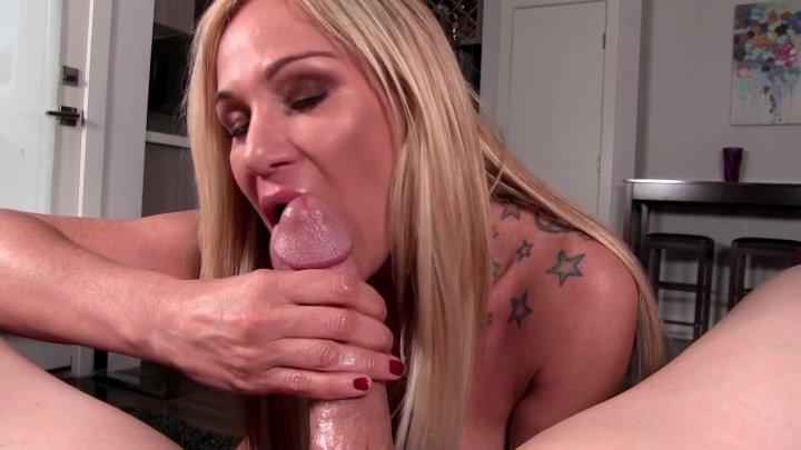 Streaming porn video still #1 from Mommy BJ's