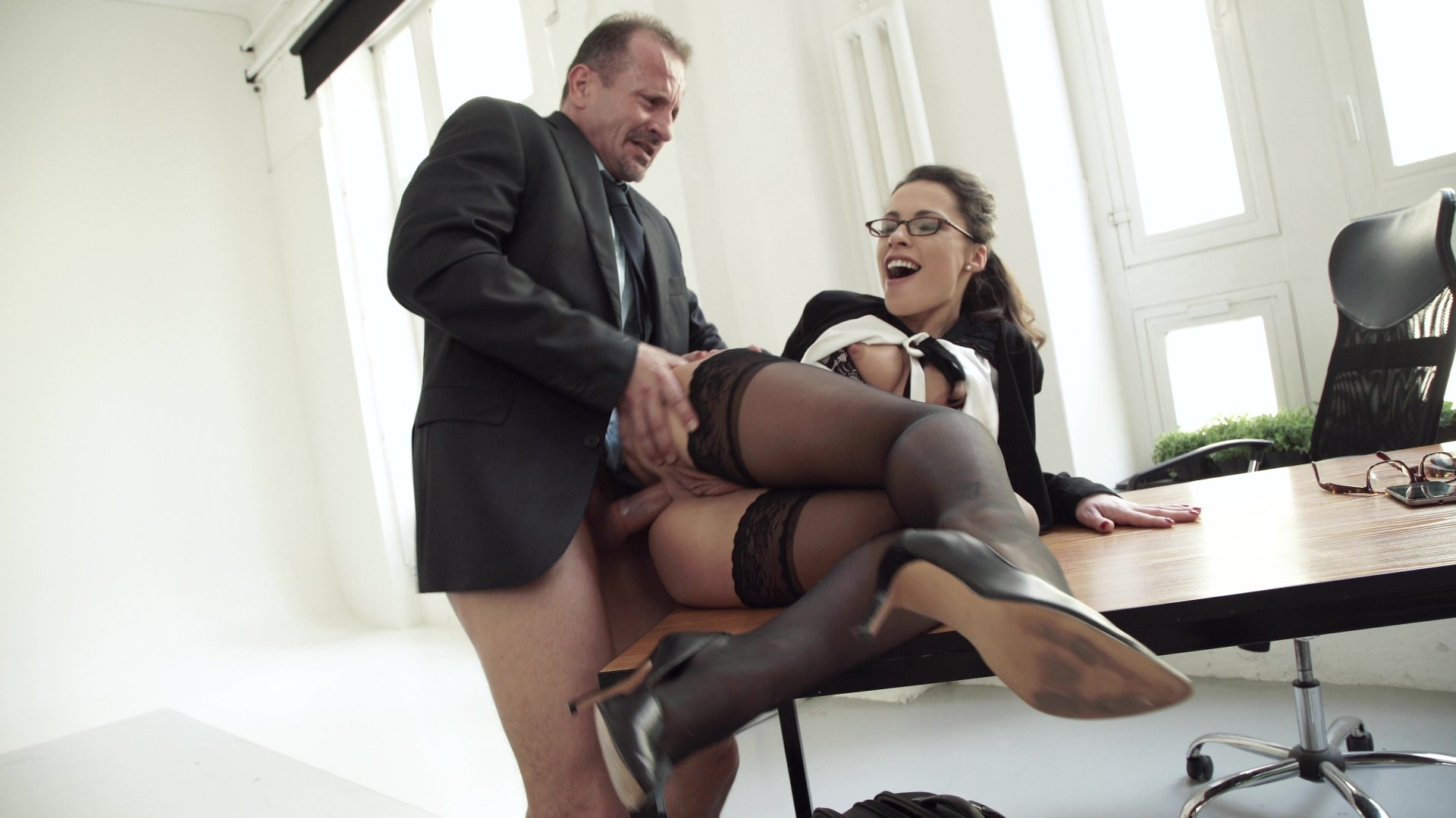 Lucky Boss And Cute Secretary