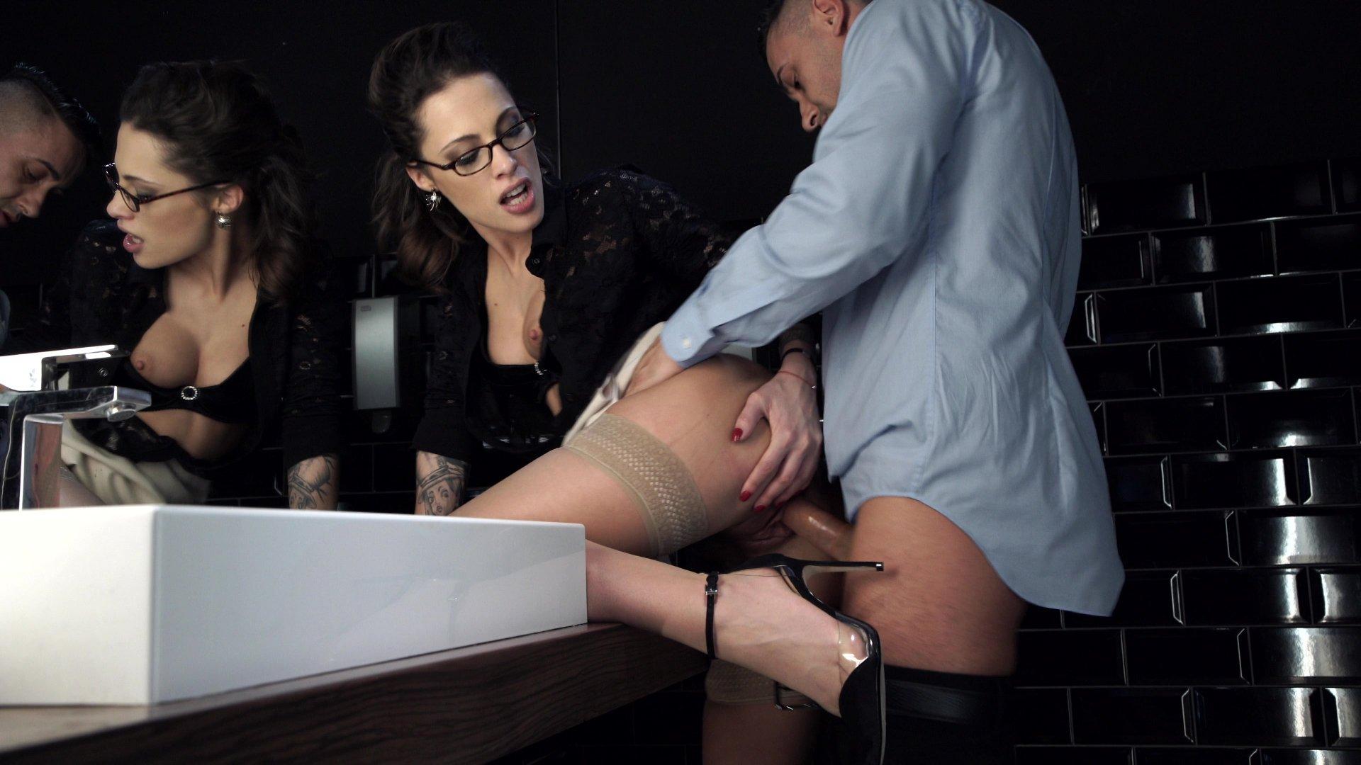 Секретарш hd порноролики скачать