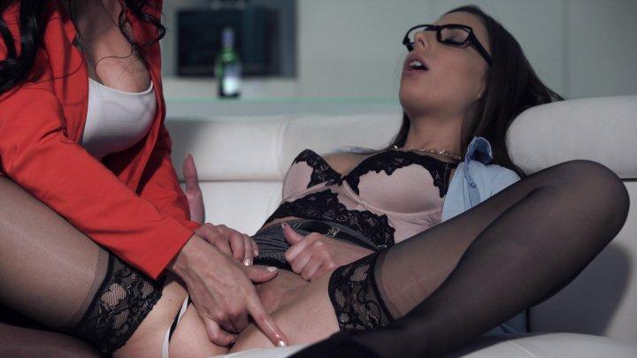 Streaming porn video still #5 from Executive Secretaries