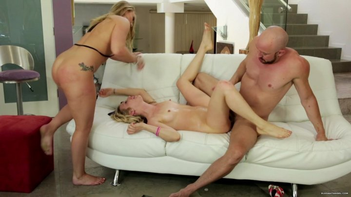 Streaming porn video still #1 from Supersquirt 6