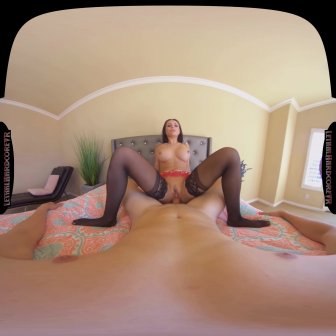 Horny Housewife video capture Image