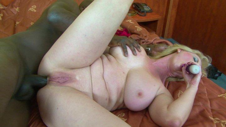 Streaming porn video still #1 from Boob Zilla 7