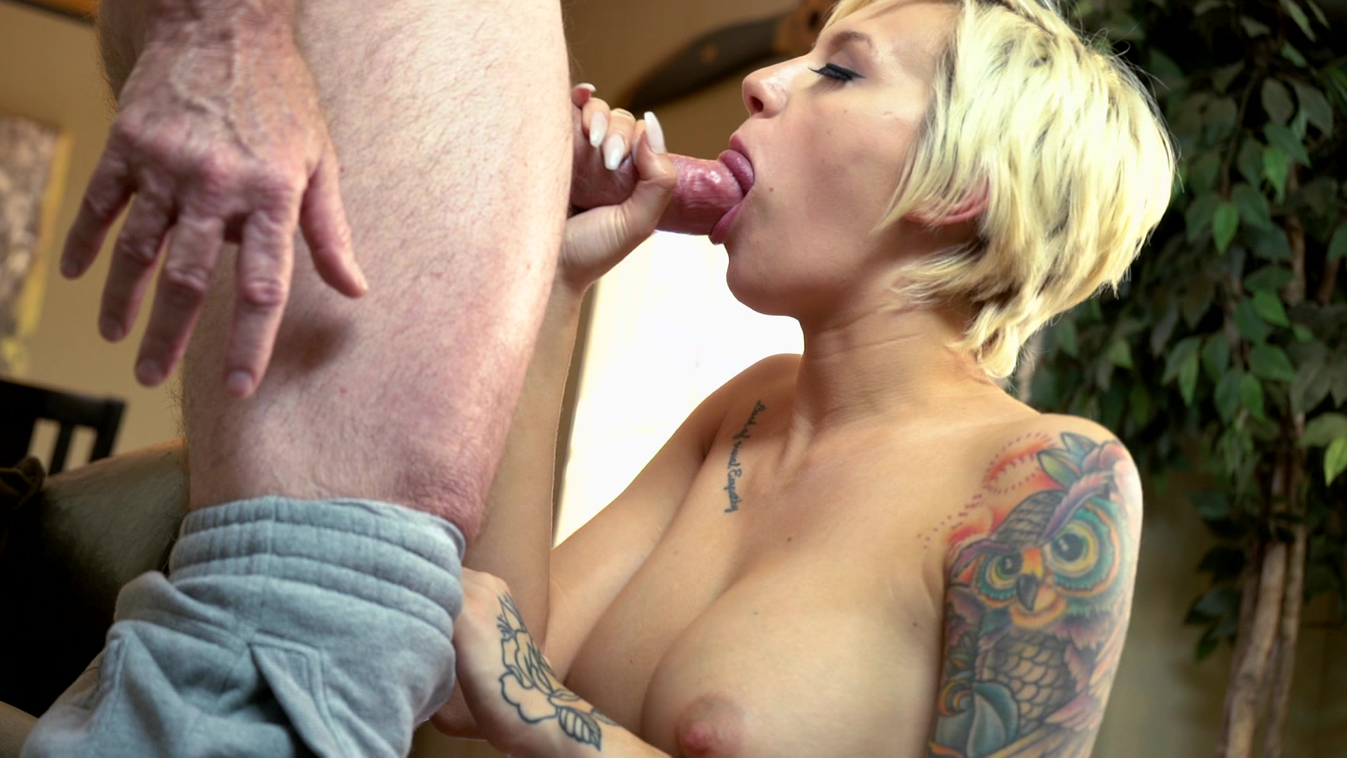 Free hd miss marie fuck her old boss jay crew porn photo