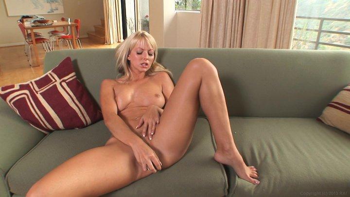 Jana Cova Czech Blonde Natural Tits Milf Dildo Play And Fing 1
