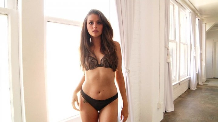 Streaming porn video still #3 from Allie