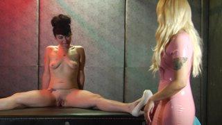 Screenshot #4 from Bella Bathory: Sadistic In Pink