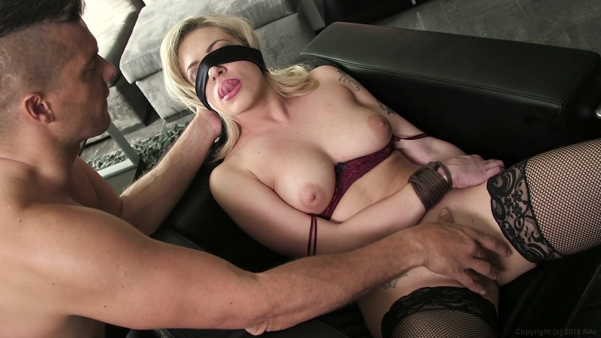 Blindfolded Best Porn Pics