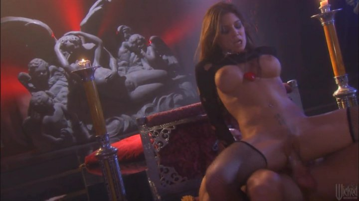 Streaming porn video still #2 from Fallen