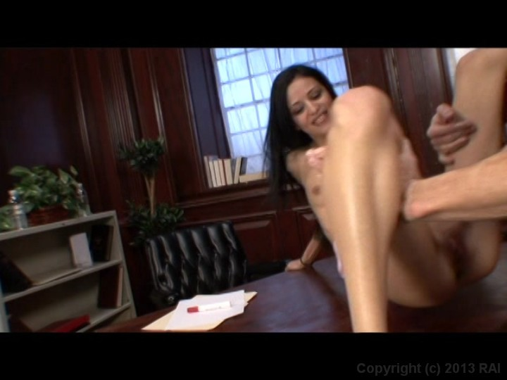 Amateur video woman masturbating