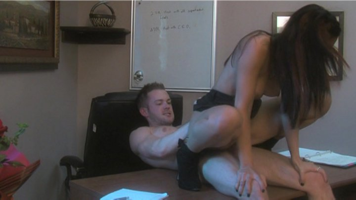 Streaming porn video still #11 from Succubus