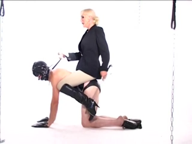 Streaming porn video still #1 from Maitresse Alexandra