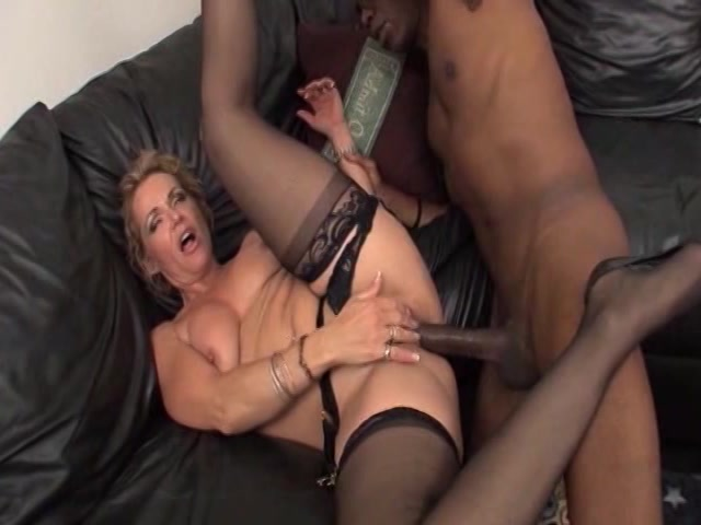 Streaming porn video still #15 from Thick Mommies - 6 Hours