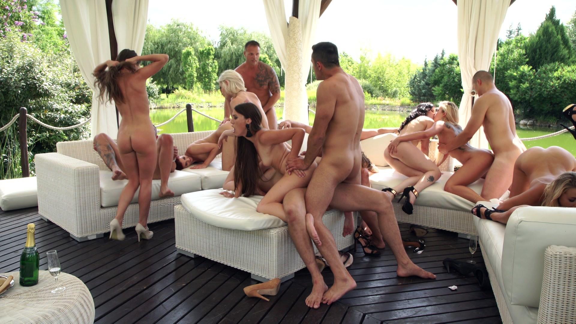 Free real nudist pics