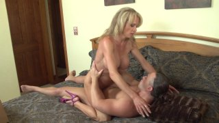 Streaming porn video still #5 from Dysfunctional Family Love Stories 2