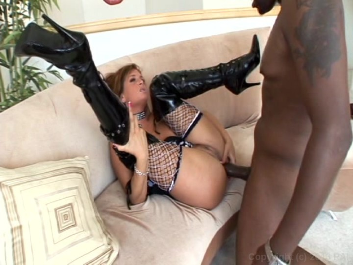 Wife Likes Black Cock